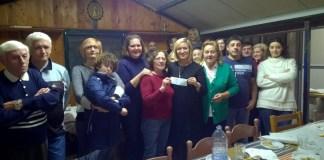 Consegna del denaro raccolto dai volontari