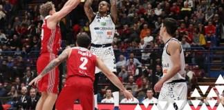 Basket Brescia, Moss al tiro contro Milano