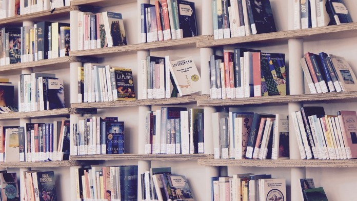 biblioteca - foto generica