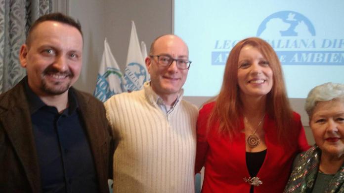 Il rovatese Lazzaroni, a sinistra, con l'ex ministro Brambilla, foto da ufficio stampa