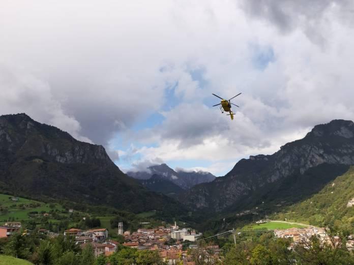 Elisoccorso in azione sui monti, foto da Soccorso Alpino