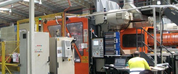 Reparación maquina de inyección de plastico