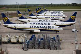 Ryanair losses widen on Covid travel restrictions