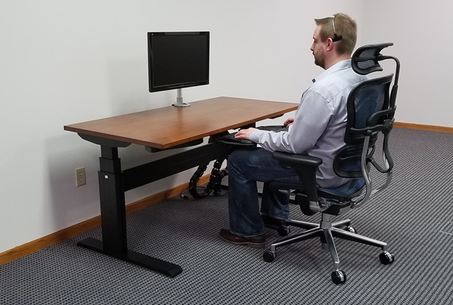 desk chair leans forward dining covers amazon prime 5 reasons you experience neck pain sitting at a computer how to setup your office