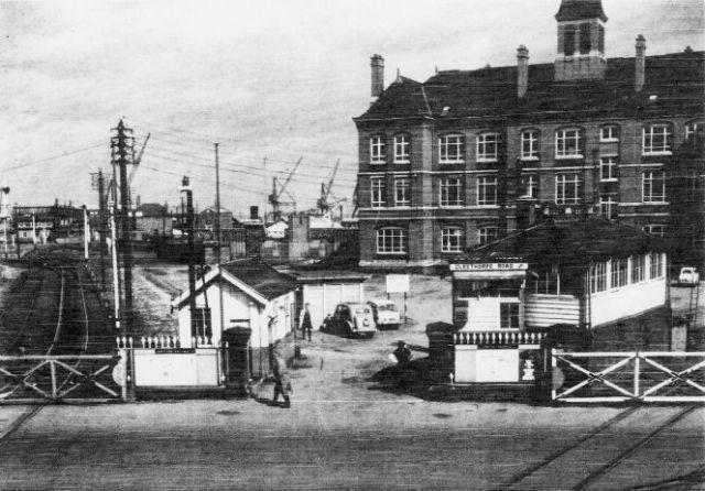 The Cleethorpe Road crossing in 1960.