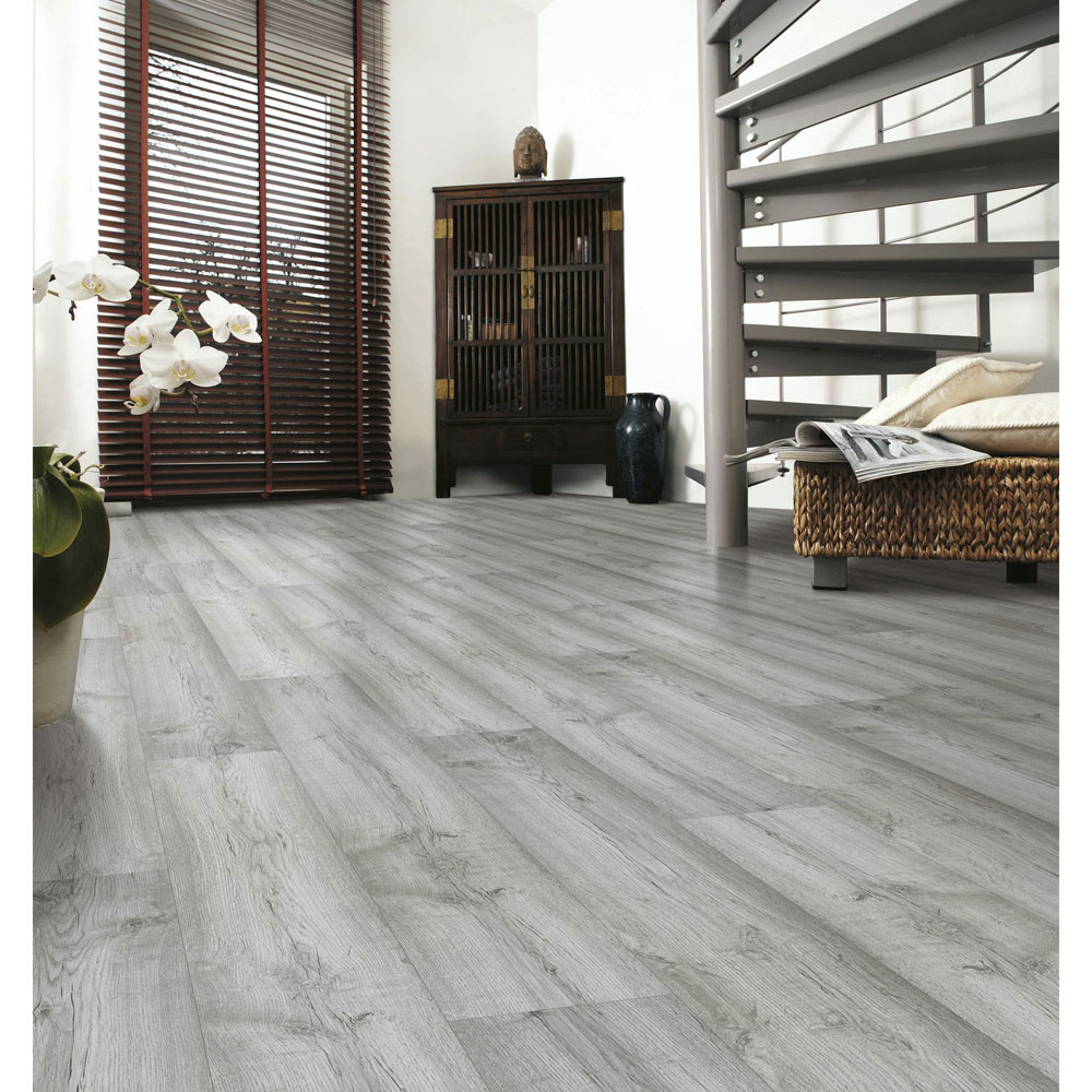 Dartmoor Oak Laminate Flooring Btw Baths Tiles Woodfloors