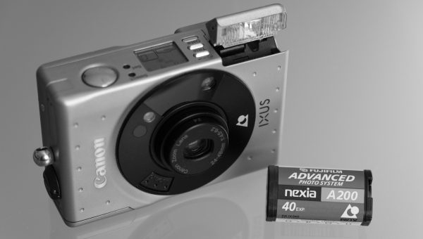 Classic Camera | Canon IXUS (ELPH) – der Standard