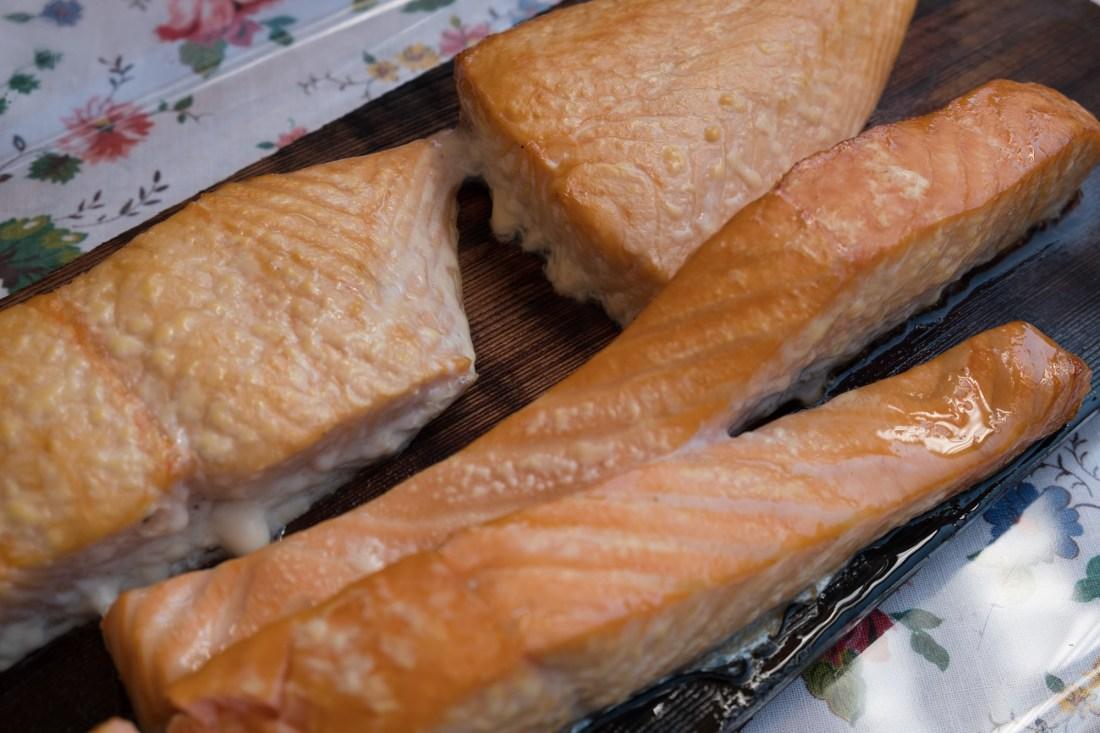 Lachs von der Planke – vom Grill