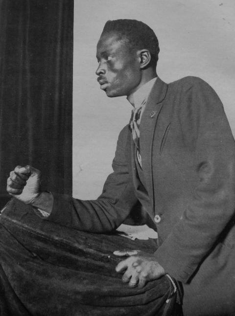 Lamine Senghor no congresso da Liga contra o imperialismo e a opressão colonial, Bruxelas, fevereiro de 1927.
