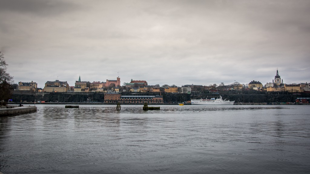 Photo locations in Stockholm Södermalm taken from Skeppsholmen across the water on a winter morning.
