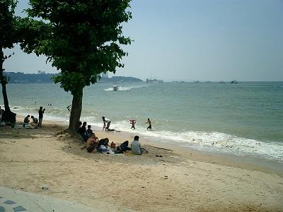 タイ王国パタヤの海水浴