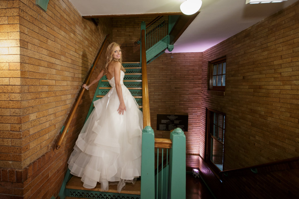 Monique Lhuillier Wedding Gown   Cafe Brauer   Chicago Wedding   Bubbly Moments