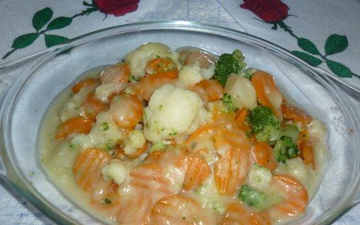 Retete Culinare - Mix de legume cu sos