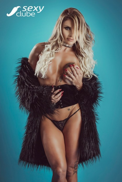 Luciane Hoepers pelada na revista Sexy de Agosto 2017