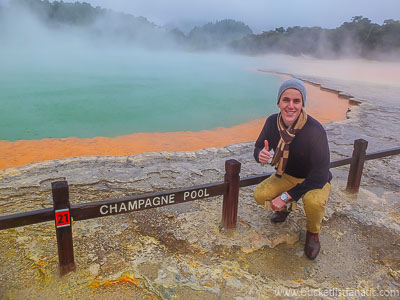 Visitthe Champagne Pool in New Zealand - Bucket List