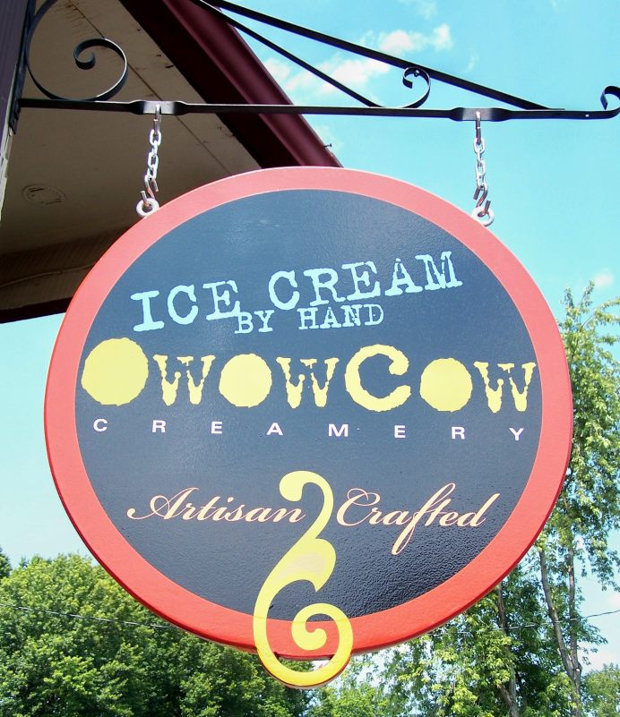 oWowCow sign