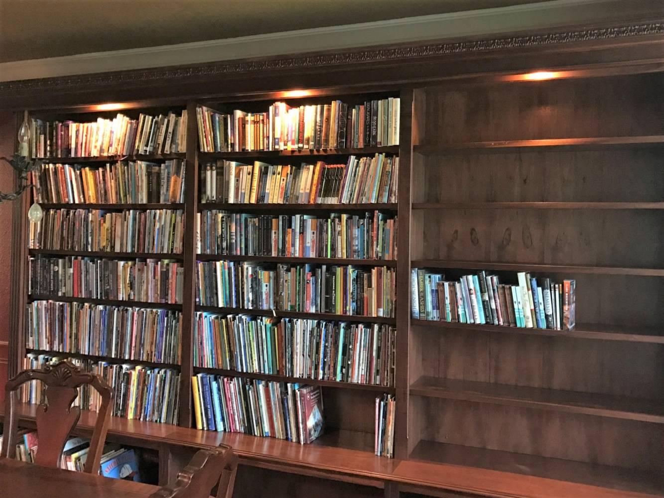Custom Built In Library Buck The Builder