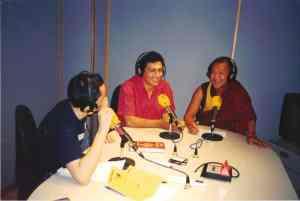 Juan Ruiz Naupari and Geshe Gyaltsen in a Radio program in Madrid