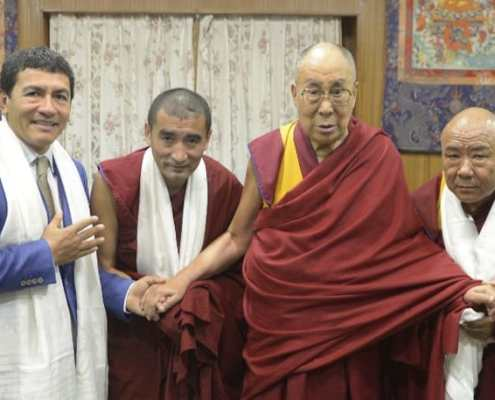 Juan Ruiz Naupari with His Holiness Dalai Lama and Abbots of Gaden Shartse
