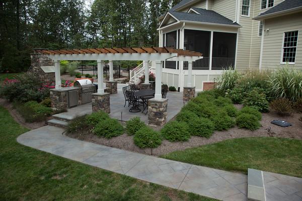 13.-Home-in-the-Woods-After-Sidewalk-Arbor-1.jpg?fit=600%2C400&ssl=1