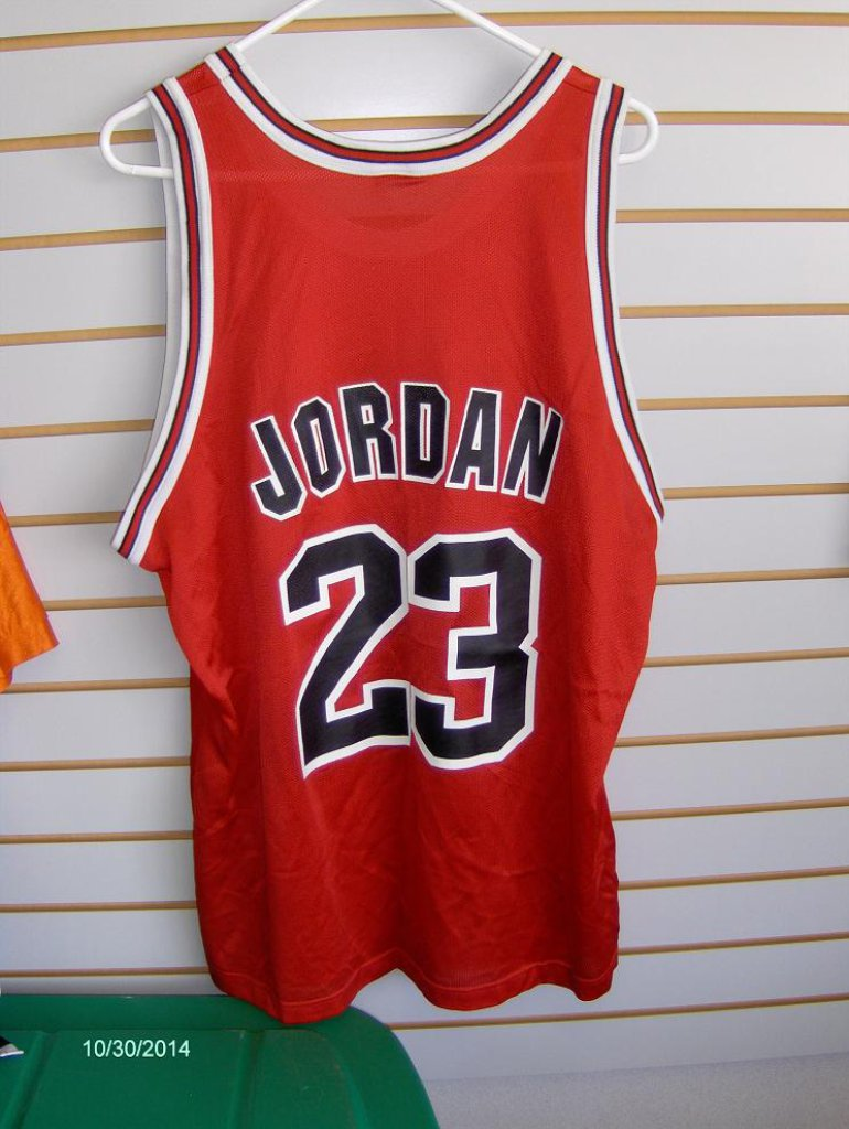 differently a9a8e e9426 Michael Jordan Champion Chicago Bulls Jersey unsigned » Budd's Collectibles