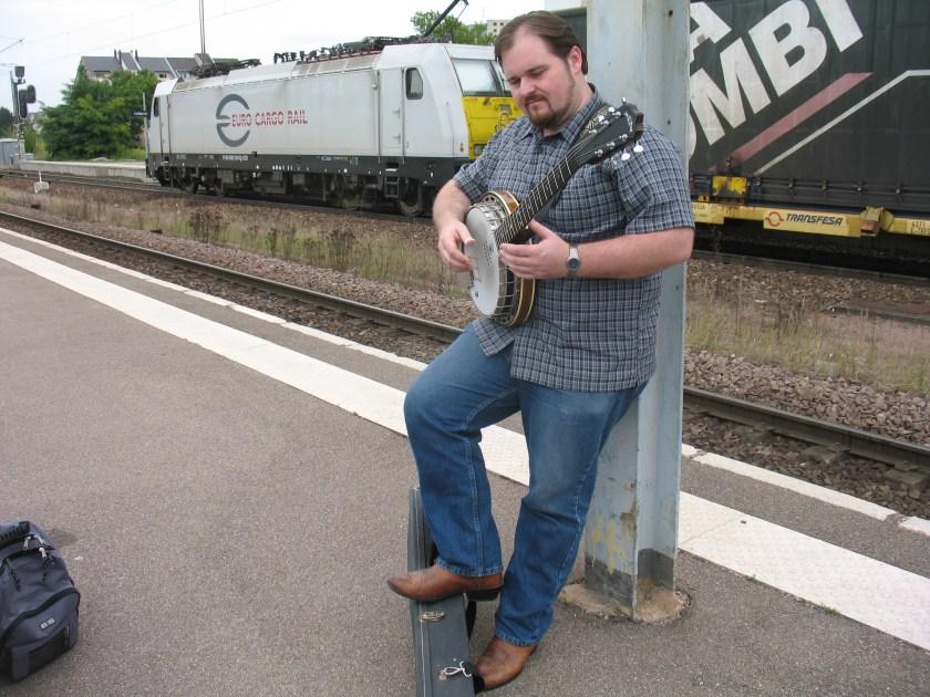 2014-France-Buddy-TrainStation-3.jpg