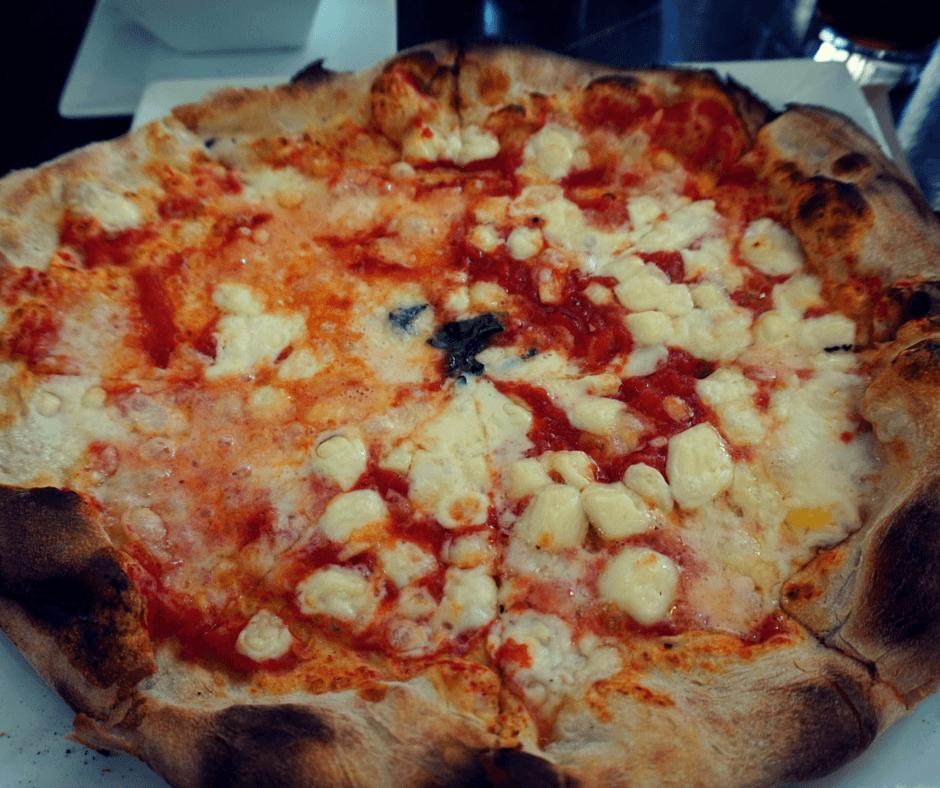 pizza in Aguas calientes