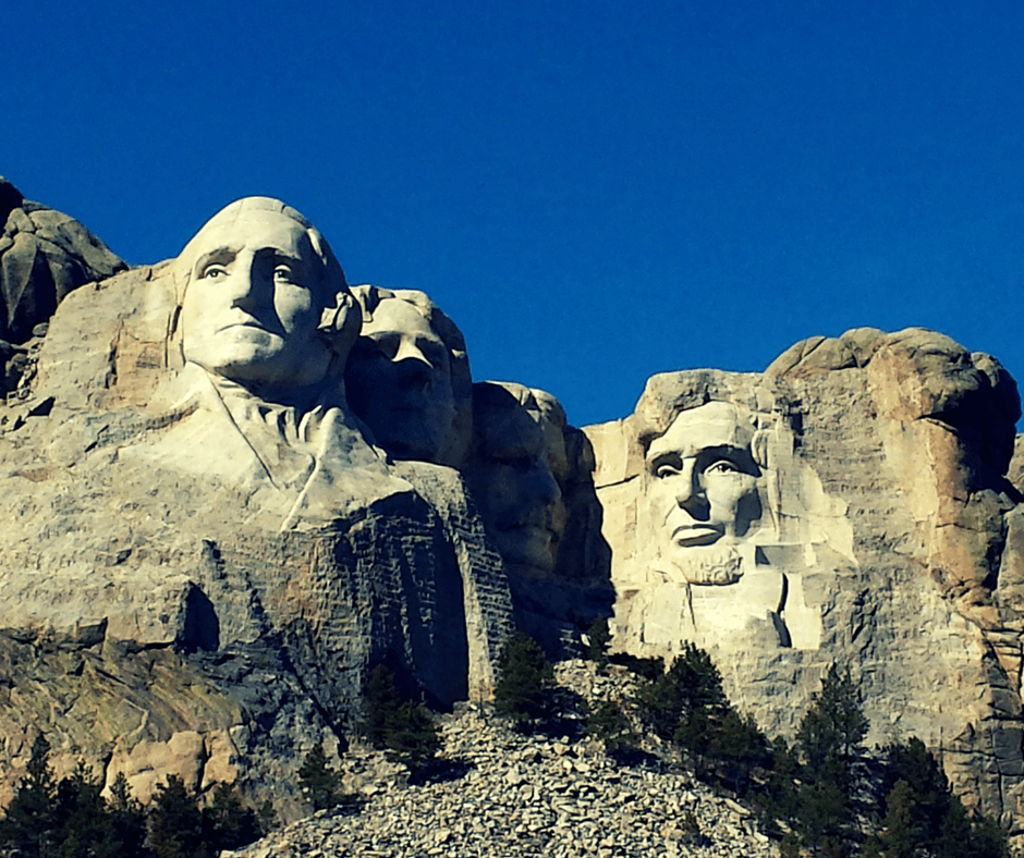 Visiting mount rushmore in south dakota buddy the for Mount rushmore history facts