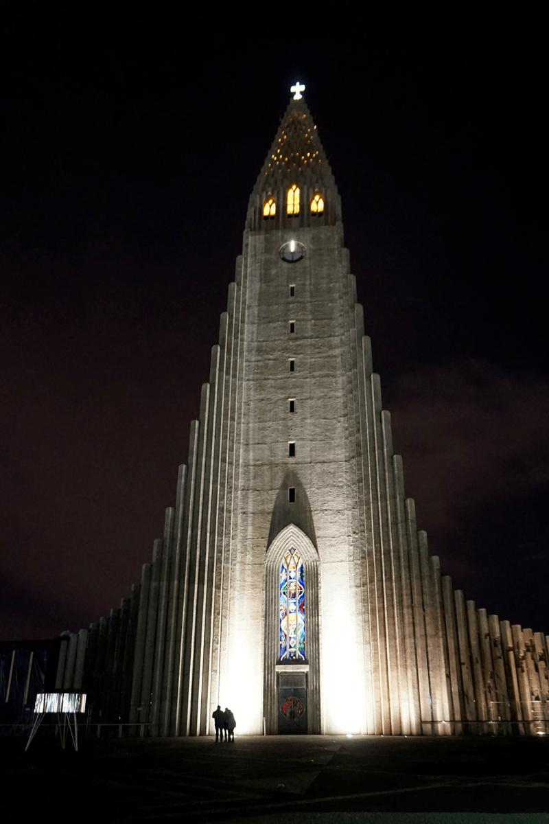 Hallgrímskirkja Church lit up at night