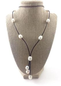 Direct Pearls necklace