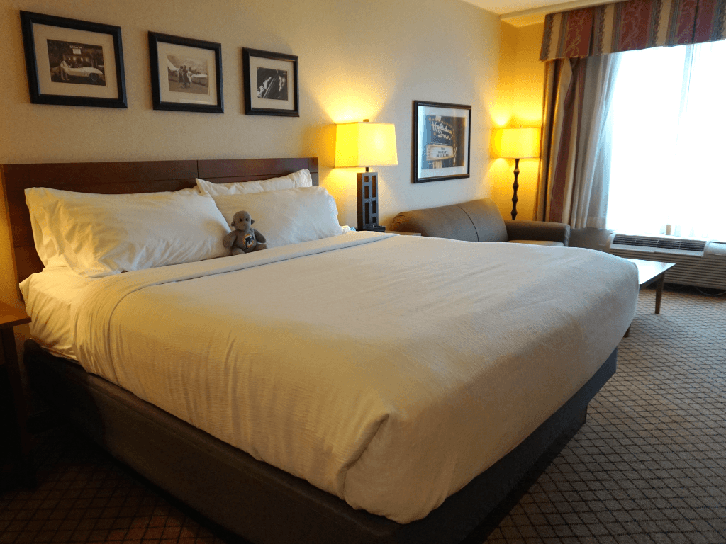 Holiday Inn Fort Wayne-IPFW & Coliseum room