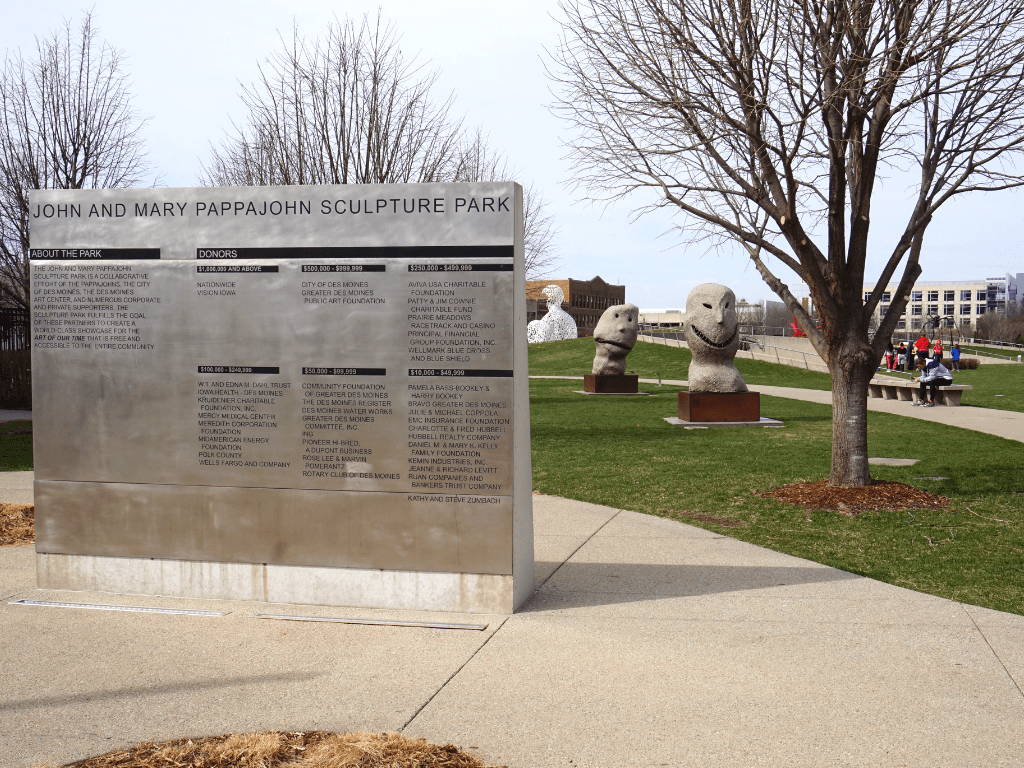 free things to do in Des Moines include visiting the Pappajohn Sculpture Park