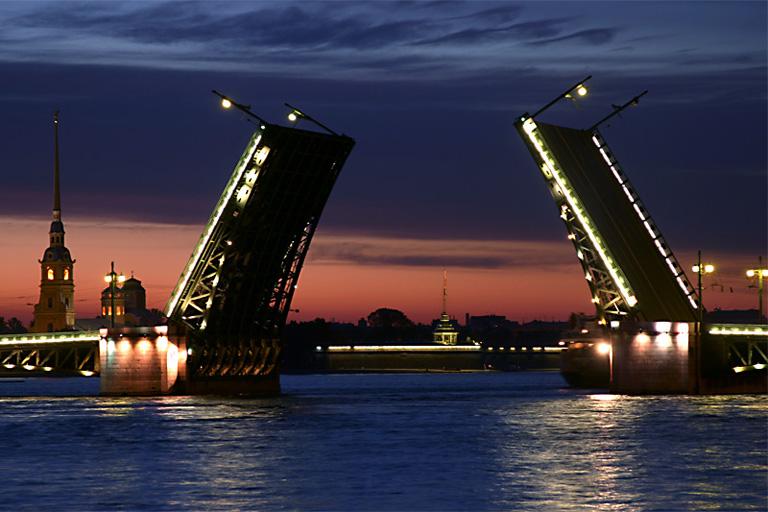 Санкт-Петергбург, разведенные мосты