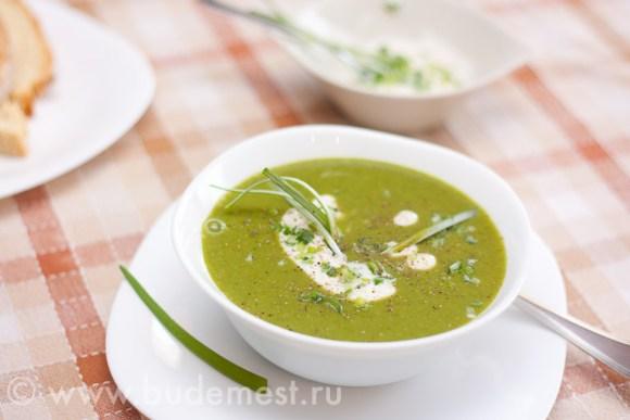 Готовый крем-суп из зеленого горошка и латука