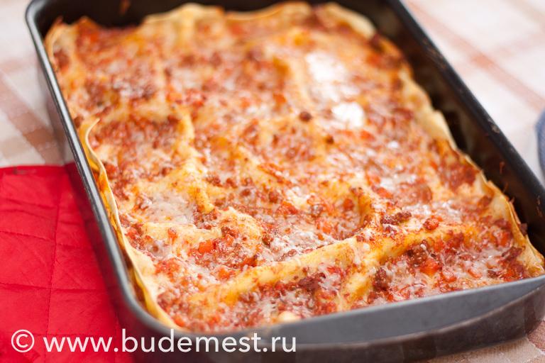 Запеченная лазанья с рагу из говядины и овощей