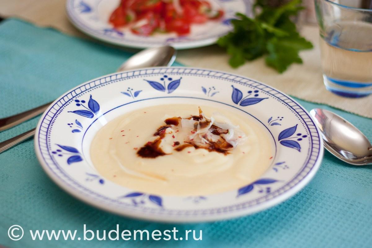 Крем-суп из корня сельдерея и картофеля