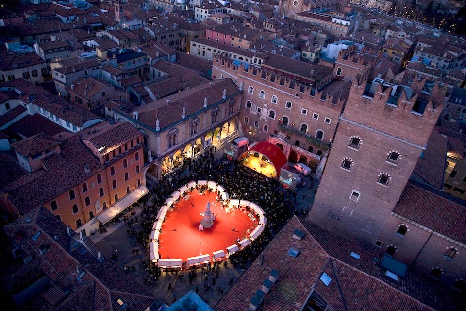Ежегодный фестиваль на день Святого Валентина Verona InLove