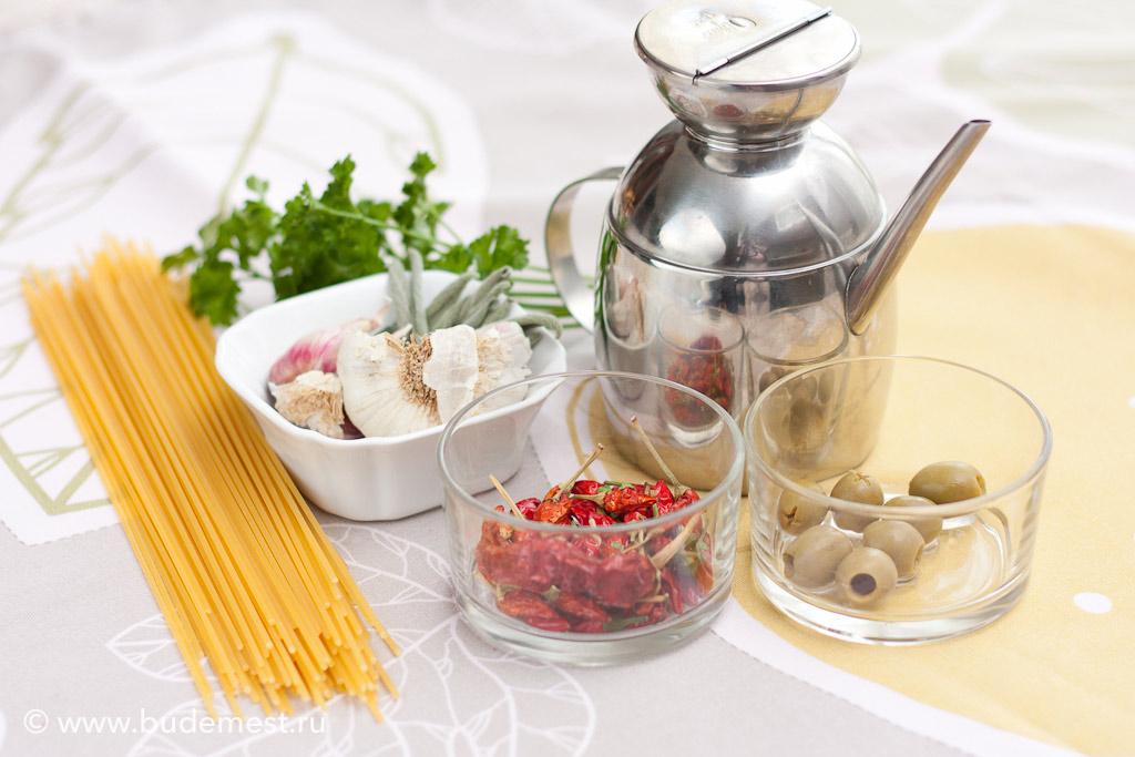 Ингредиенты для приготовления спагетти альо ольо пепперончино