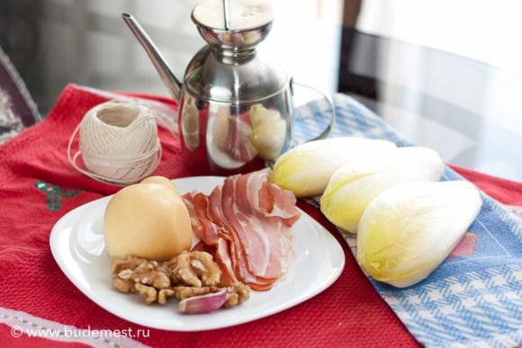 Ингредиенты для приготовления свертков из бельгийского салата с сыром скаморца