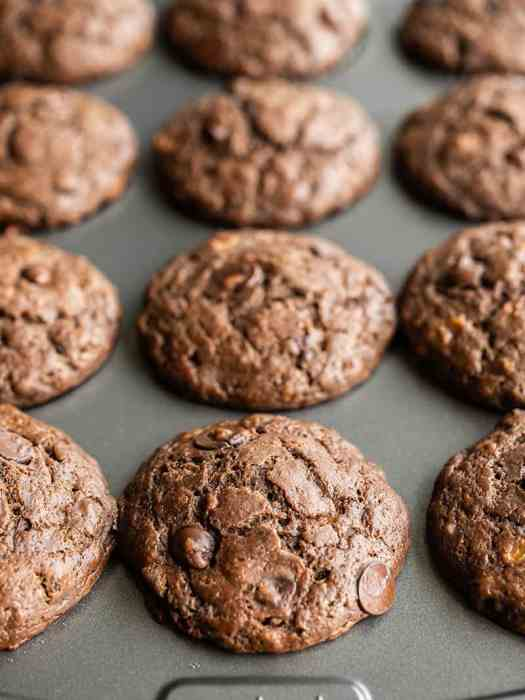 Close up front view of the chocolate banana muffins in the tin
