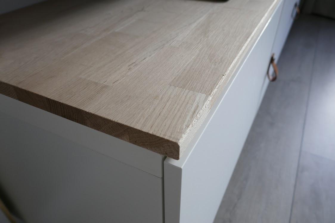 ikea hack televisiemeubel pimpen met hout en leer. Black Bedroom Furniture Sets. Home Design Ideas
