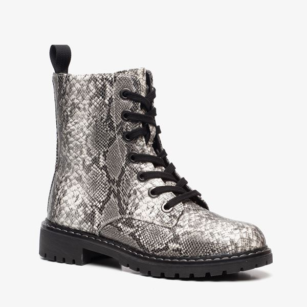 Dr. Martens look a like [najaarwinter 2020]: neppe Dr