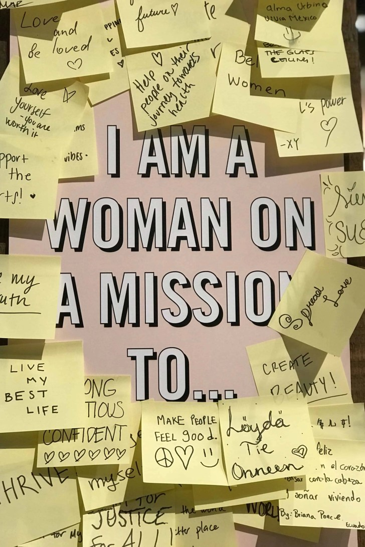 i am a woman on a mission with post its