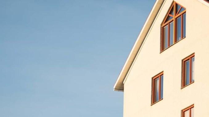 Czym jest ciepły montaż okien?
