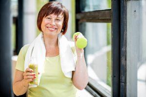 Как оставаться в форме за 50, наслаждаясь любимой едой