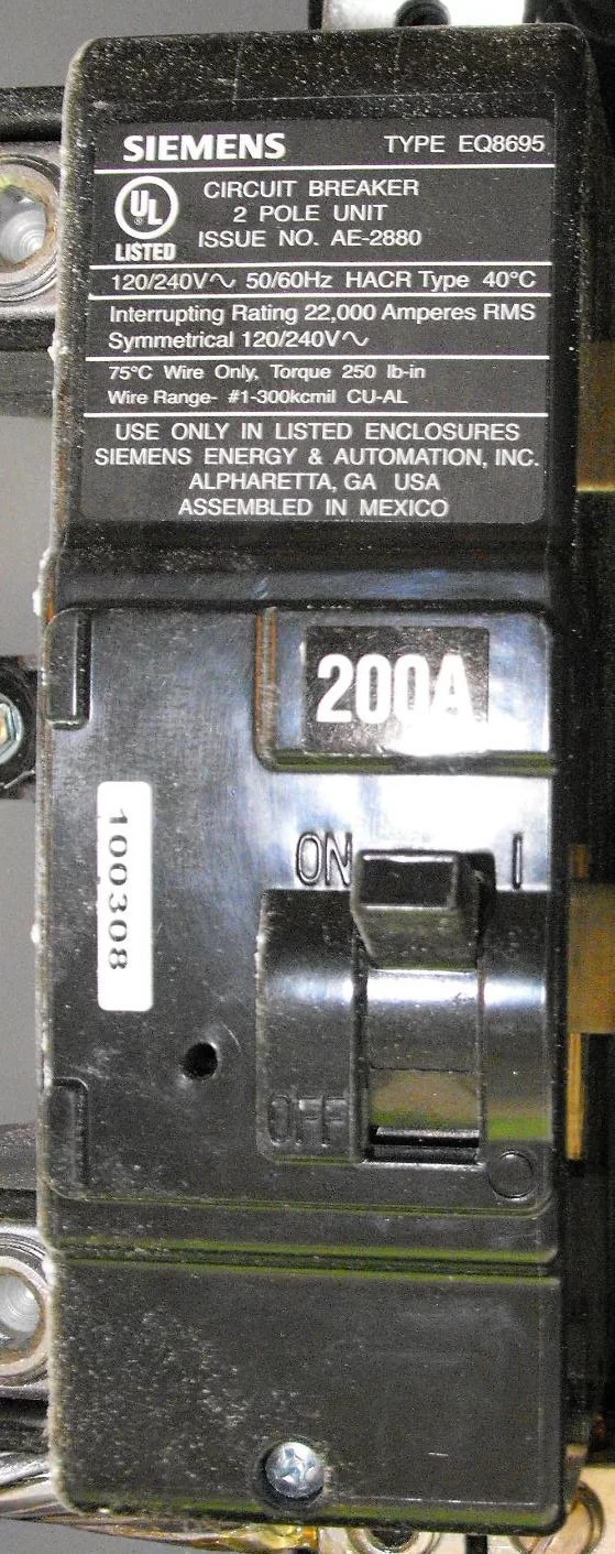 hight resolution of main breaker in service panel