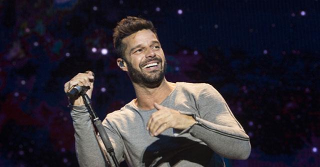 Ricky Martin enciende Instagram con foto