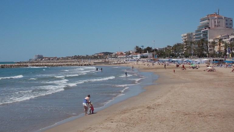 praia sitges areia