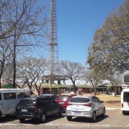 feira torre de tv brasilia estacionamento