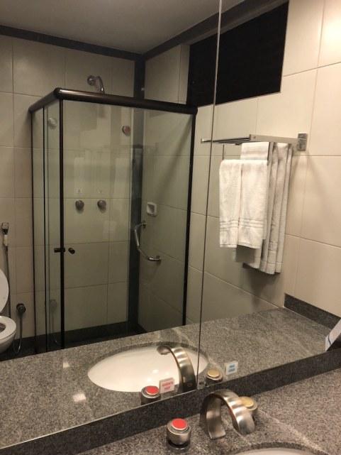 Banheiro do Hotel Crystal Plaza